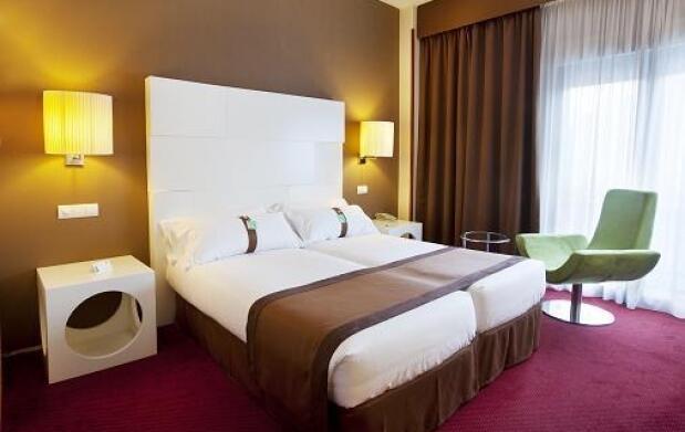 Holiday Inn Madrid Calle Alcala + ARCO