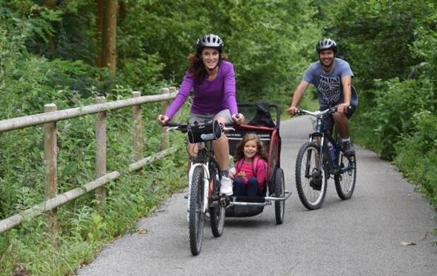 Ruta en bicicleta o a pie por la Sierra