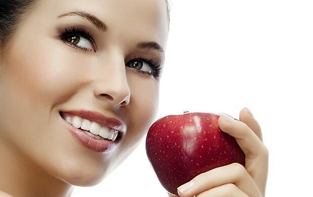 ¡Dientes blancos, sonrisa sana!