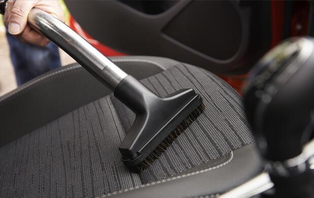 Limpieza interior y exterior de coche