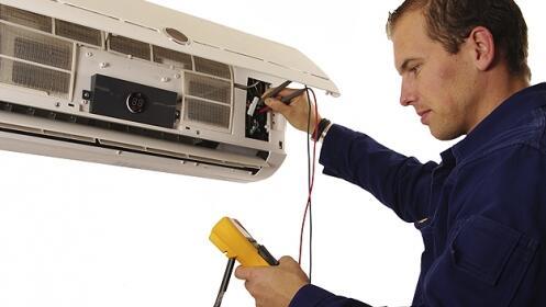 Revisión y limpieza de aire acondicionado