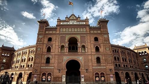 Juego de Mus e invitación para la Feria San Isidro en Las Ventas