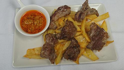Menú de cocina tradicional para dos en Triana