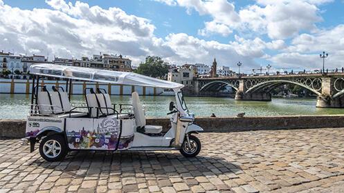 Tour guiado en Tuk Tuk por la Sevilla histórica